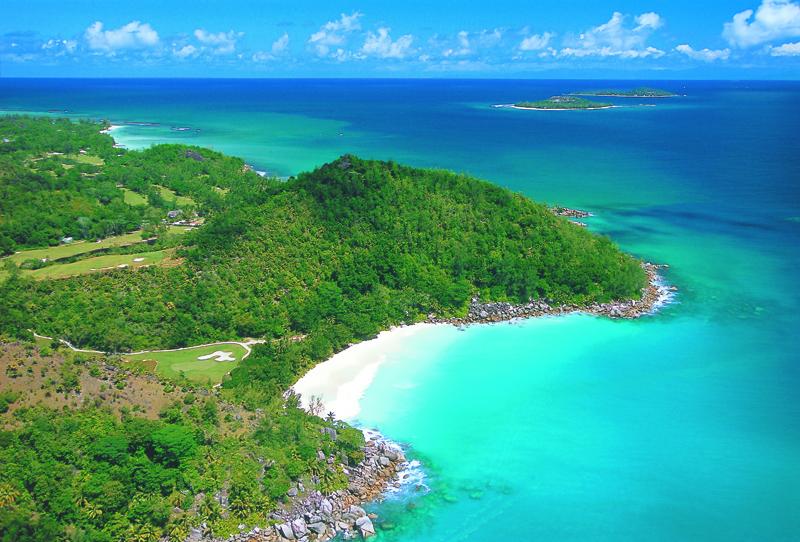golf_lemuria_constance_seychelles-vue-plage