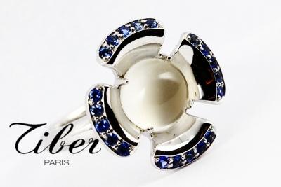 bijoux-tiber-bague-pierre-de-lune-saphirs-fleur-de-lune
